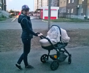 Вечерние прогулки с малышкой