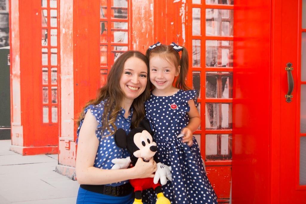 Со своей старшей дочкой, благодаря которой и появилась моя студия